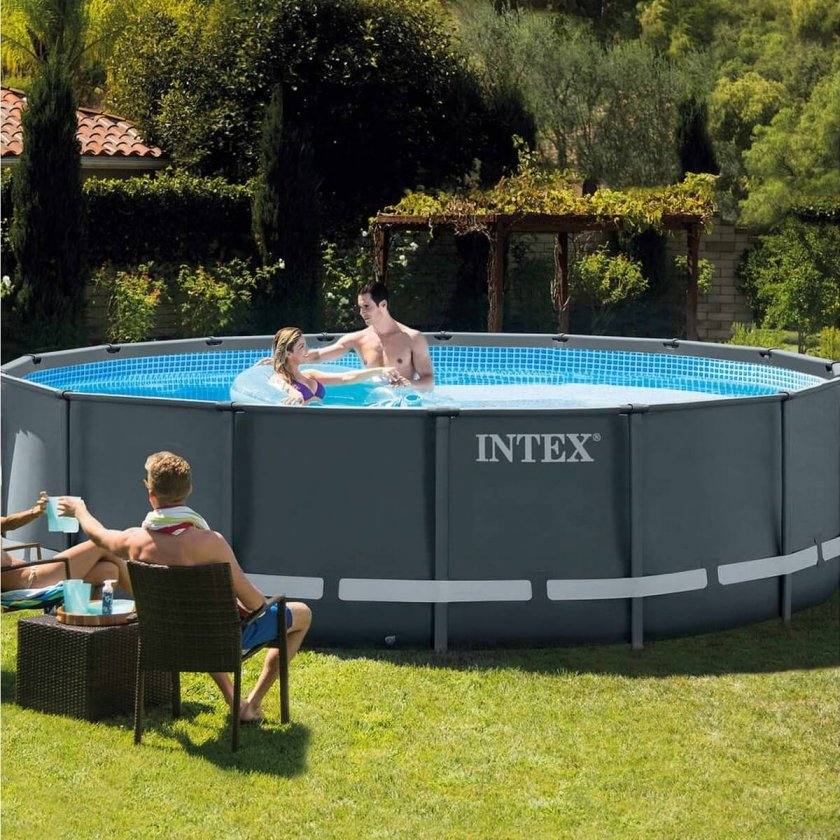 Svart Intex Pool
